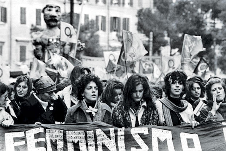 Femminilità e femminismo nelle scrittrici italiane tra fine Ottocento e Novecento