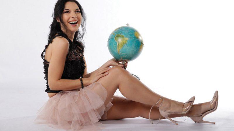 VIVO NEL MONDO, il nuovo album della cantante italo-brasiliana Pamela D'Amico